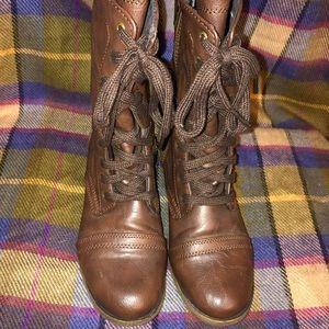 Target combat boots